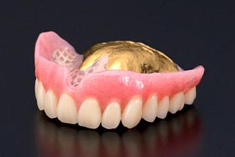 ゴールド床義歯